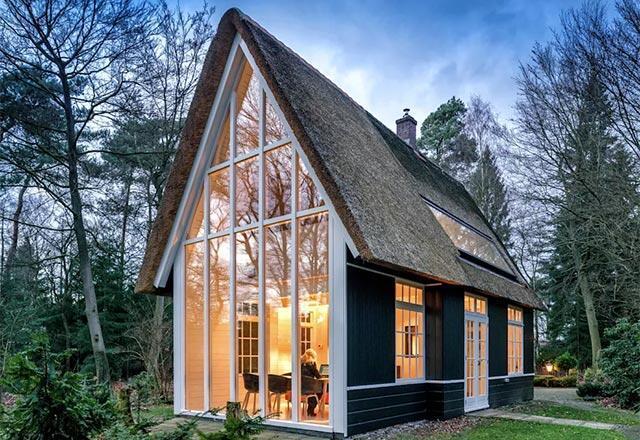 Doğada yaşama isteği uyandıran masalsı evler