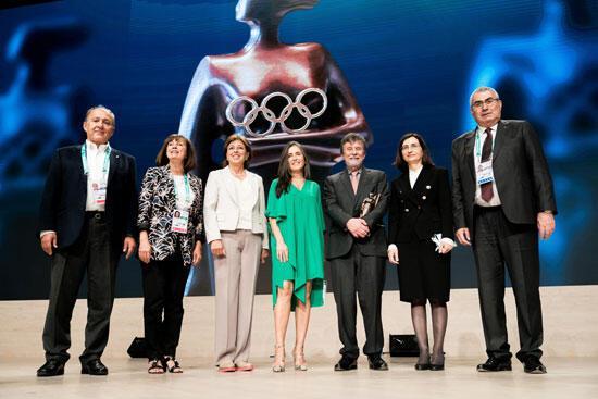 Eczacıbaşına Uluslararası Olimpiyat Komitesinden Büyük Ödül