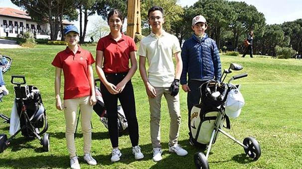 23 Nisan'da Kemer Country'de kortların ve golf sahalarının sahibi çocuklar oldu