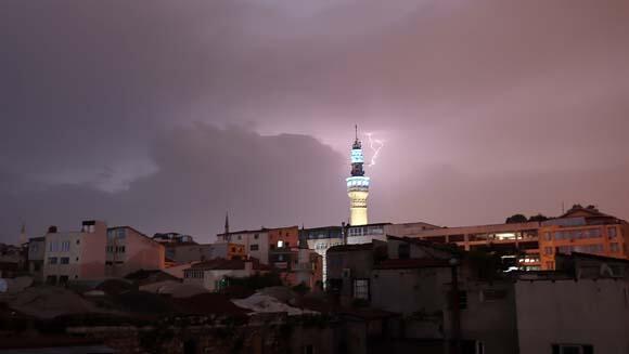 Son dakika... İstanbulda sağanak yağış