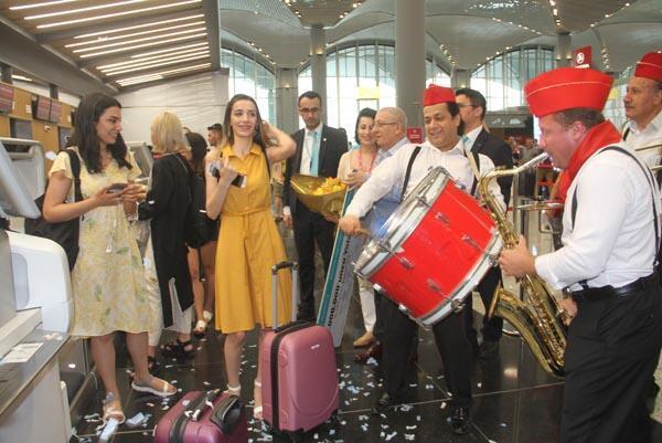 İstanbul Havalimanında büyük sürpriz Şaşkınlığını gizleyemedi