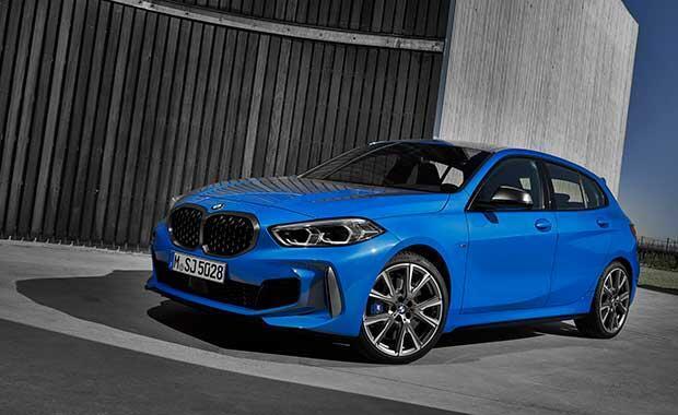BMW yeni 1 serisi gün yüzüne çıktı Tarihte ilk defa...