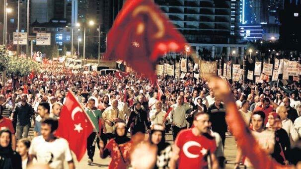 Türkiyenin en karanlık ve kanlı gecesinde yaşananlar