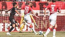 Slimani-Onyekuru işbirliği! 2-0'a rağmen...