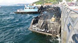 Son dakika... İstanbul'da yatta yangın!