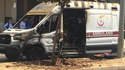 Seyir halindeki ambulans yandı!