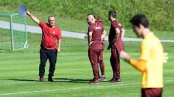 Galatasaray'ın Avusturya kampı: Terim'den futbolcularına uyarı