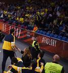 Fenerbahçe Beko'da Lauvergne taraftarla tartıştı!