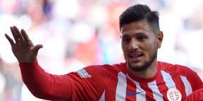 Antalyaspor kaptan Diego ile sözleşme uzattı