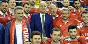 """Mehmet Akif Üstündağ: """"Şampiyon olmak istiyoruz"""""""