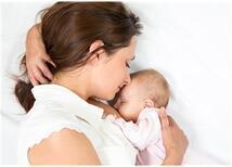 Bebeğiniz İçin En İdeal Besin 'Anne Sütü'