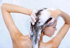 Saçlarınıza neden köpüksüz şampuan kullanmalısınız?