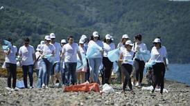 Fairy, CarrefourSA ve TÜDAV sahil plastiği toplamaya İstanbul Fil Burnu Sahili'nden başladı