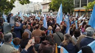 Arjantin'de halk hükümete destek için sokağa çıktı