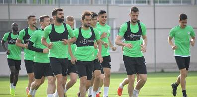 Konyaspor'da Akhisarspor mesaisi!