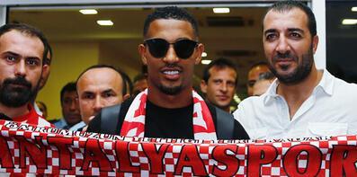 Antalyaspor, Vainqueur'u Toulouse'a kiraladı