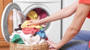 Çamaşırlardaki deterjan artıklarına dikkat!