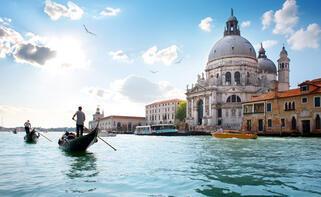 Venedik'e gelen turistler vergi ödüyor