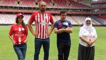 Antalyaspor forma tanıtımında başpehlivan sürprizi