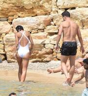 Melih Mahmutoğlu kardeşiyle tatilde