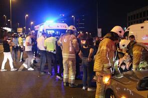 Hollanda'dan tatile gelen ailenin içinde bulunduğu araç kaza yaptı