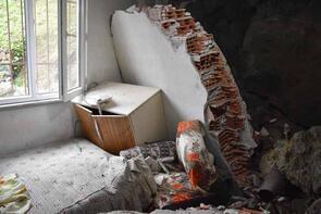 Ordu'da kaya parçaları evin üzerine düştü