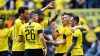 Borussia Dortmund, rakibini dağıttı