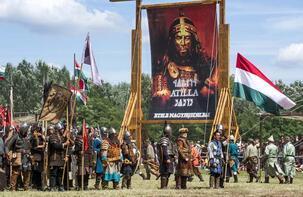 Macaristan'da Atalar Günü kutlaması