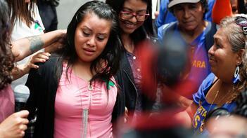 Defalarca tecavüze uğradı, tuvalette ölü doğum yaptı! 40 yılla yargılanan genç kadın hakkında karar çıktı