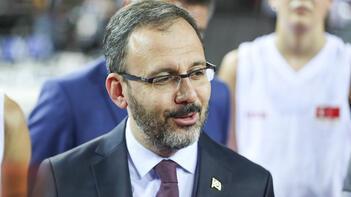 Bakan Kasapoğlu'ndan Milli Atlet Salih Korkmaz'a tebrik