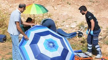 Yer: Antalya... Şemsiyeyle önlem aldılar