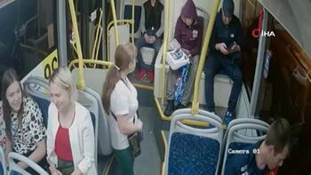 Otobüsten atılan sarhoş yolcu kadınları hedef aldı!