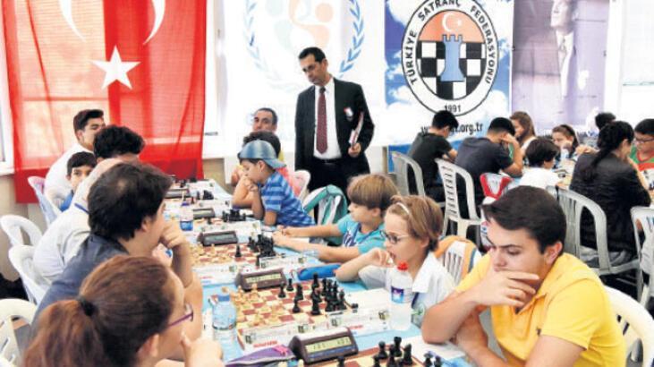 172 satranççı, yarın  kozlarını paylaşacak