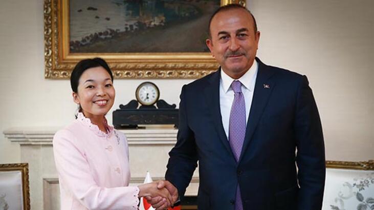 Japonya Prensesi'nin tırnaklarına dikkat! Görüşmede ortaya çıktı