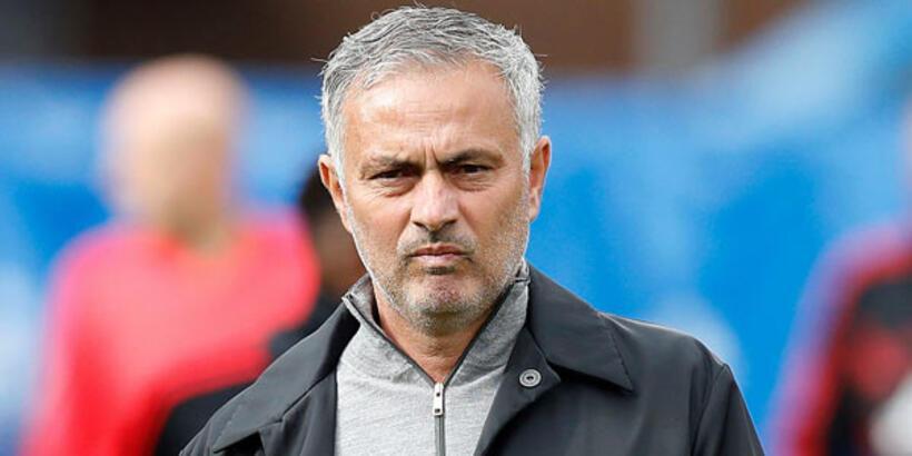 Mourinho'ya hapis şoku!