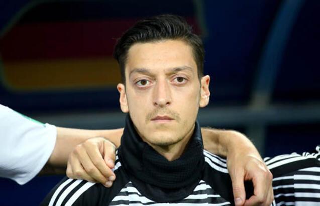 Almanya basınından ilk Mesut Özil yorumu!