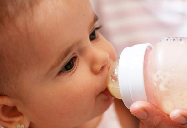 Bebeklerde gece beslenmesi ne zaman sonlandırılmalı?