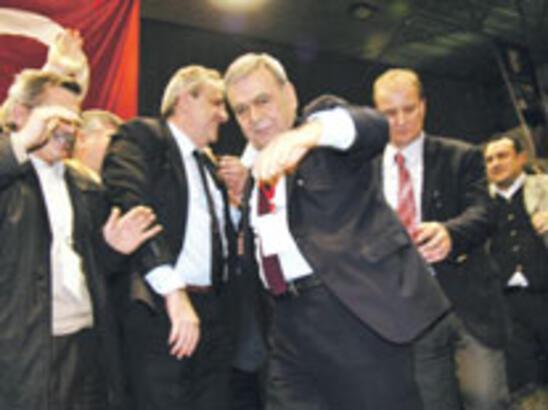 Başkanın istifasını Susam engellemiş
