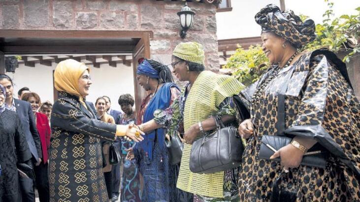 Emine Erdoğan'dan Afrika Evi'ne ziyaret