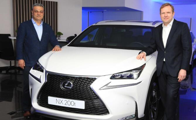 Lexus, Türkiye'deki İlk Showroomunu 6 Lüks Model ile Açtı