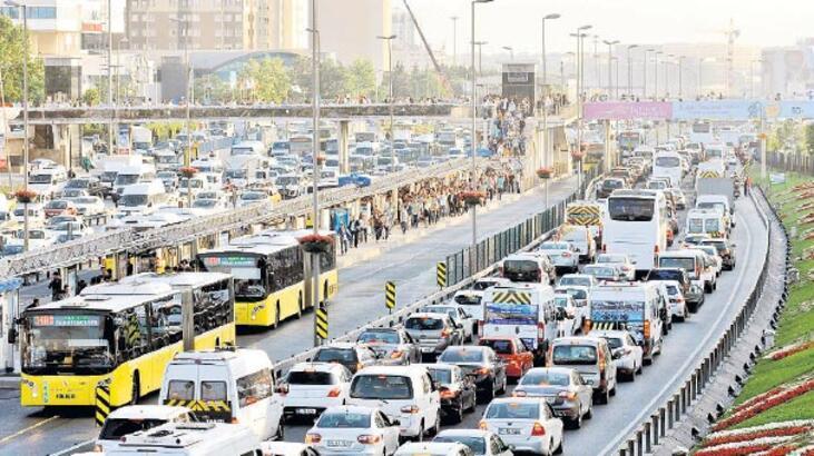 33 sigorta şirketi 'trafik'ten soruşturuluyor