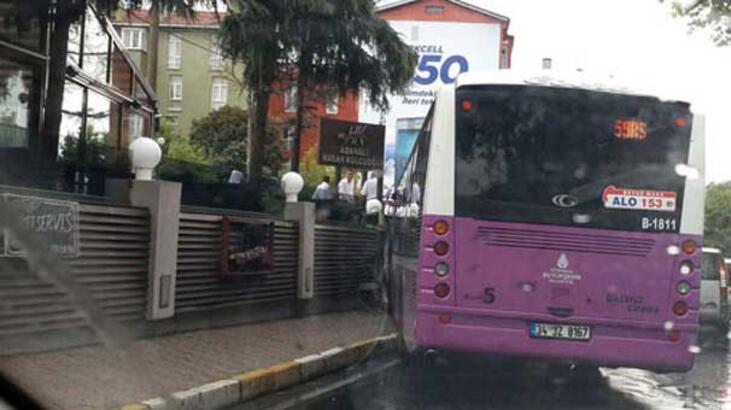 Bir belediye otobüsü kazası daha