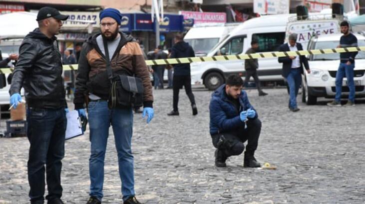 Son dakika... Diyarbakır'da iki aile arasında silahlı kavga: 3 ölü, 4 yaralı