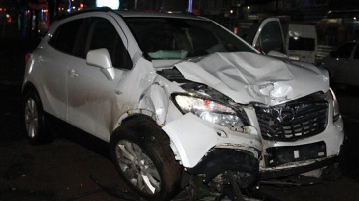 Bitlis'te iki araç çarpıştı: 5 yaralı