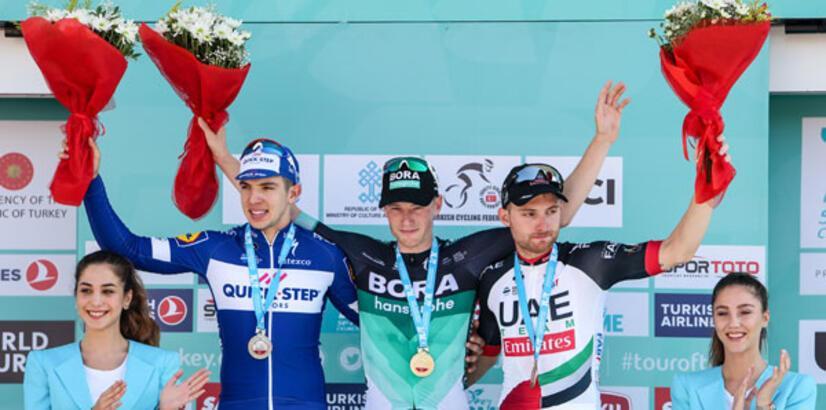 TUR 2018'de ikinci etabı Sam Bennett kazandı