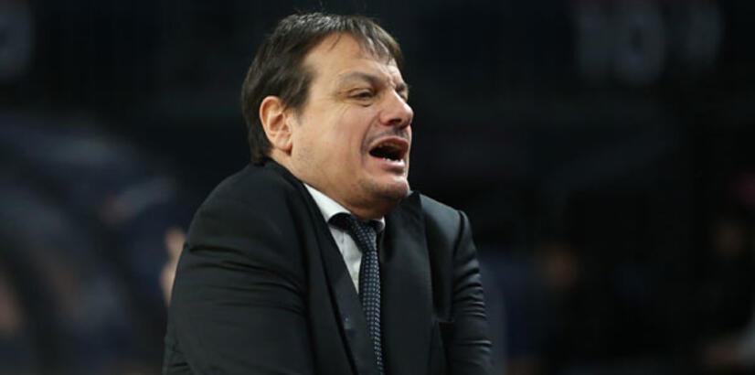 """Ergin Ataman: """"Üçüncü çeyrekte çok iyi oynayarak maçı kopardık"""""""