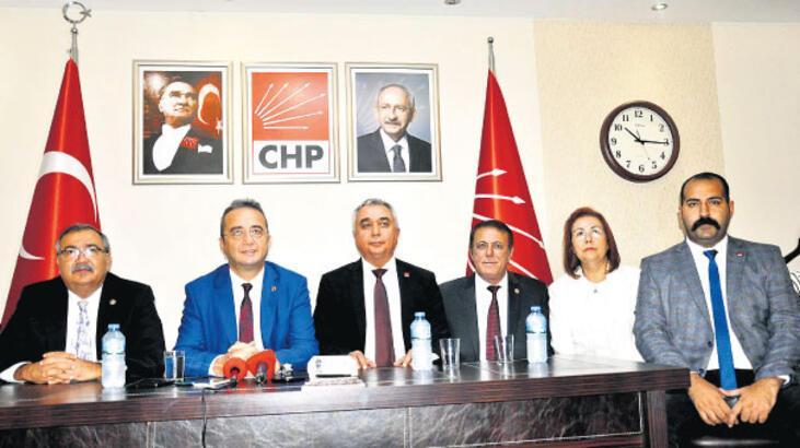 'Türk bayrağını silip paylaşmışlar'