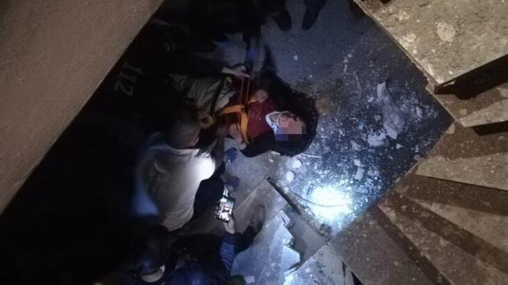 Asansör boşluğuna düşen vatandaş itfaiye tarafından kurtarıldı