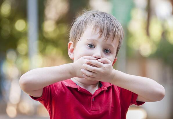 Konuşma baskısı kekemeliğe yol açıyor