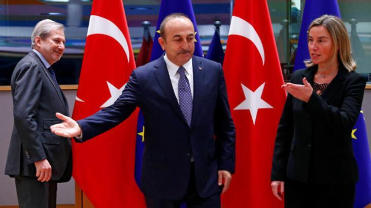 Son dakika... Çavuşoğlu: İki Türk vatandaşı yaralandı